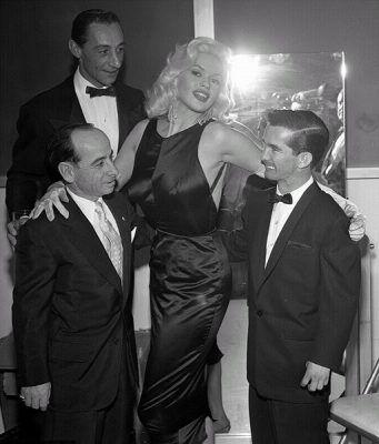 Jayne Mansfield: Famous, Ball, Jockeys Johnny, Jayne Mansfield, 1957, Celebrities, Willie Shoemaker, Photo, Eddie Arcaro