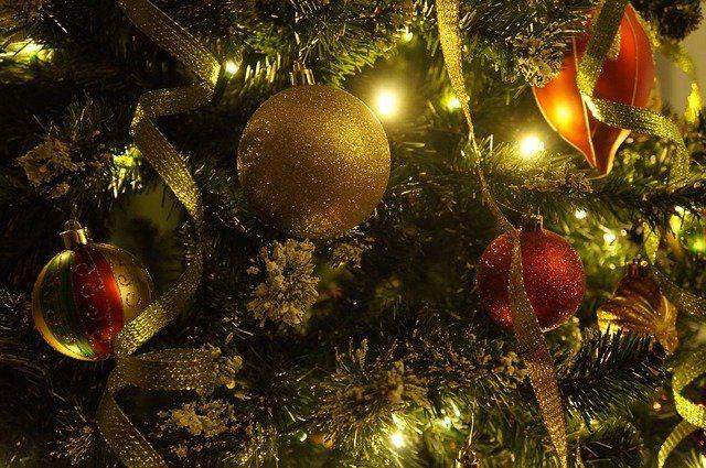 Отношение к общепринятым праздникам у меня весьма специфическое, не понимаю я этого явления. В канун Нового года захотелось изложить тут ...