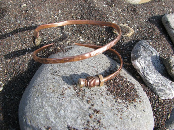 Unique recycled copper bangle by Didikais on Etsy