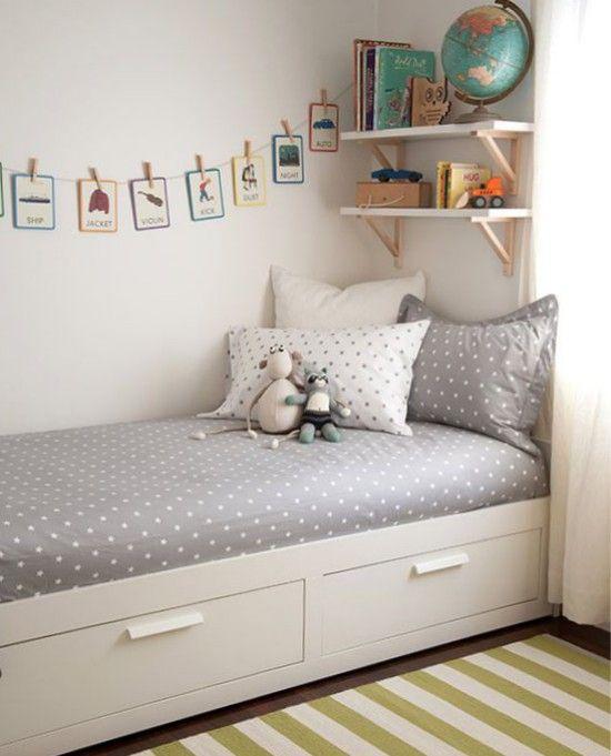 Кушетка Бримнэс в интерьере комнаты девочки-подростка