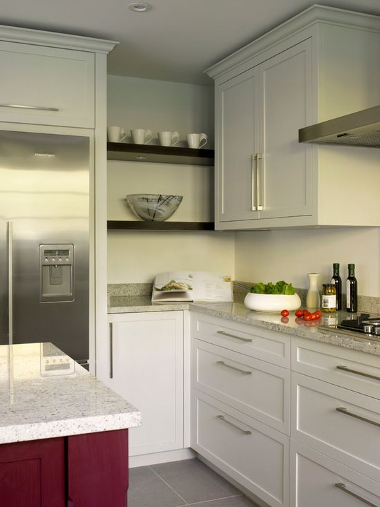 Wimbledon white/grey modern shaker-style kitchen  with Kashmir white granite worktops.