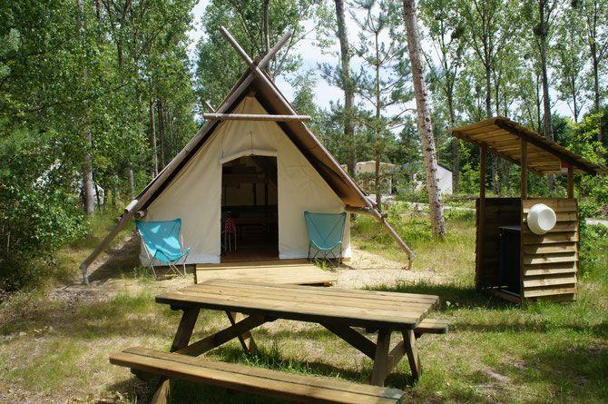 Camping nature L'Heureux Hasard - Vacances en famille et entre amis en Val de Loire et en Sologne - Châteaux de Cheverny, Chambord, Blois - Les roulottes esprit bohème