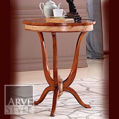tavolino rotondo con parti laccate