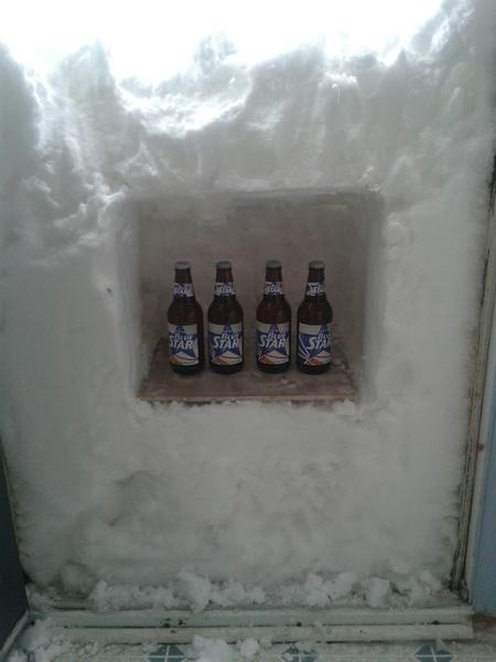 #Canada Beer fridge - Newfoundland humour shines through. Newfoundlanders are dealing with a powerful blizzard ... Residents are joking about everything from makeshift beer fridges to... http://www.cbc.ca/news/yourcommunity/2013/01/newfoundland-humour-shines-through-blizzard-tweets.html#more-271472