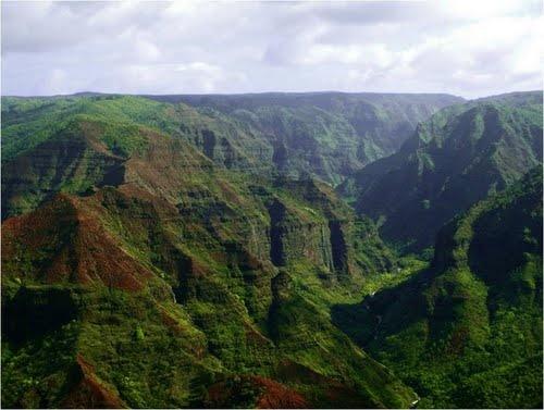 Waimau Canyon Kawaii Hawaii ... the grand canyon the the pacific ... breathtaking! #zimmermanngoesto