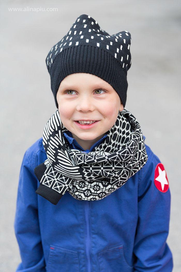 Sade hat, Avenue scarf