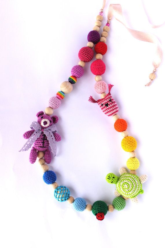 Rainbow Nursing necklace for baby with teddy bear, little turtle and little owl, Organic Breastfeeding necklace, multicolor nursing necklace