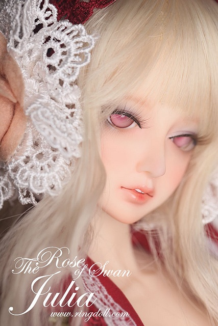 [Ringdoll] The Rose of Swan----Julia    The Roses of Swan -- twin boy and girl Julia and Andrew  Born in a noble family called Guise which is from Swan dynasty, Julia and Andrew are always the most elegant and beautiful on the land.