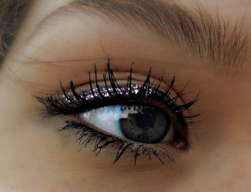 Glitter eyeliner.