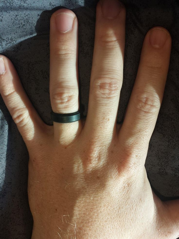 amazoncom customer review photo of our silicone wedding ring - Wedding Rings Amazon
