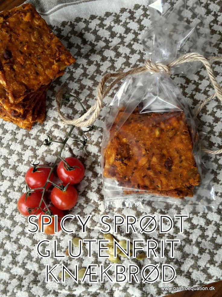 Hjemmebagt knækbrød er bare lækkert. Her er det teamet op med paprika og soltørret tomat og det gør det bestemt ikke dårligere. Glutenfrit og fodmap venligt