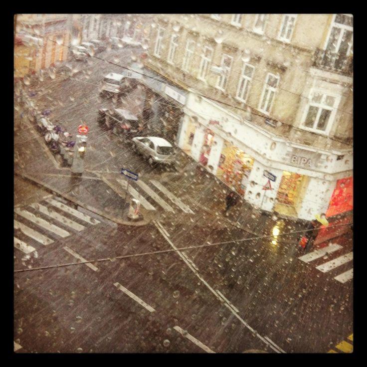 Vienna Rain / http://www.stadtbekannt.at/documents/pictures/de/alles-neu/wien/leben/07-_-2011/artikel-regen.jpg