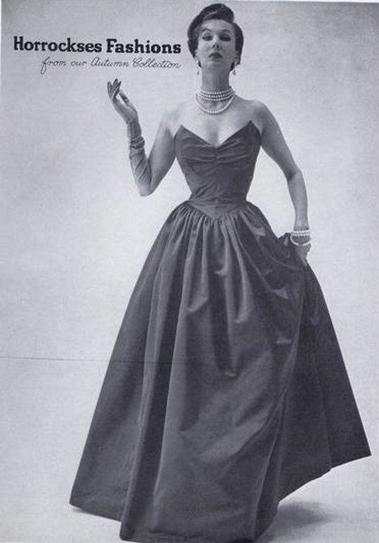 Fashion 1940s Two Female Models Flirty 40s Style Evening: 27 Best American Christmas Carol Costume Inspiration