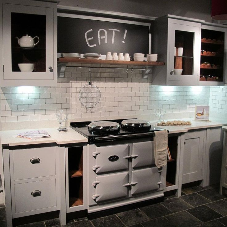 Pearl ashes Aga in our showroom with handpainted in-frame kitchen & Quartz worktop