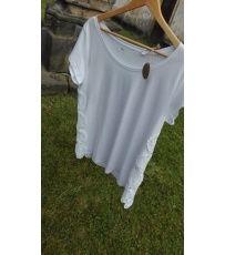 Dámské volnější tričko s kulatým výstřihem. Na bočních stranách trička je umístěna krajka.