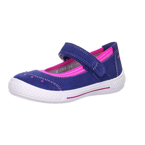 Tensy half shoes are available as sneakers or sporty ballerina shoes and the little miss can be active while remaining stylish - win win! #superfit #shoes