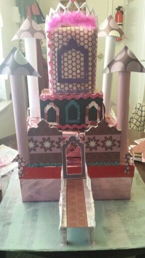 Baby shower castle