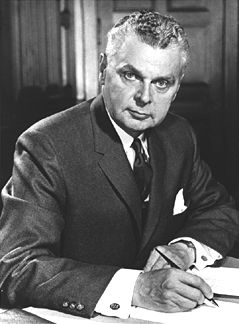 The Prime Ministers of Canada - John Diefenbaker Thirteenth Prime Minister of Canada  Born: September 18, 1895 Neustadt ON Died: August 16, 1979 (Buried: Saskatoon, SK) Educated: University of Saskatchewan Private Occupation: Lawyer Political Party: Progressive Conservative Term of Office: June 21, 1957 - April 22, 1963