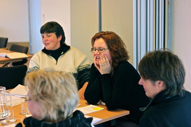 Damegruppen udveksler idéer