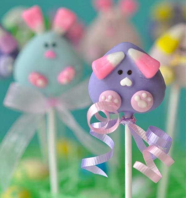 Cute bunny cake pops (My Little Cupcake). Includes tutorial.