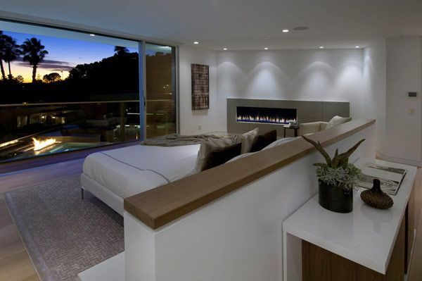 Massive Doheny Residence with Opulent Displays in the Hollywood Hills - http://freshome.com/2012/04/19/massive-doheny-residence-with-opulent-displays-in-the-hollywood-hills/