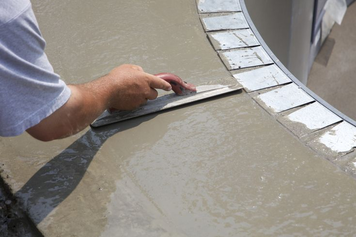 """Pesquisadores da Universidade Purdue, nos Estados Unidos, descobriram uma maneira de deixar o concreto ainda mais resistente: com celulose. Nanocristais do material ajudam a hidratar o concreto depois de misturado, o que evita que ele fique com poros e defeitos que prejudicam a resistência e a durabilidade. Os cientistas demonstraram que, com as partículas, a...<br /><a class=""""more-link""""…"""
