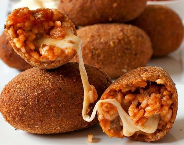 Il #supplì: buono, unico e inimitabile, è il numero 1 dello street food romano #aTasteofRome #Lazio