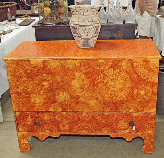 Antiques in 2 Barns | Maine Antique Digest - 133 Best Antiques Show Booths Images On Pinterest Beautiful