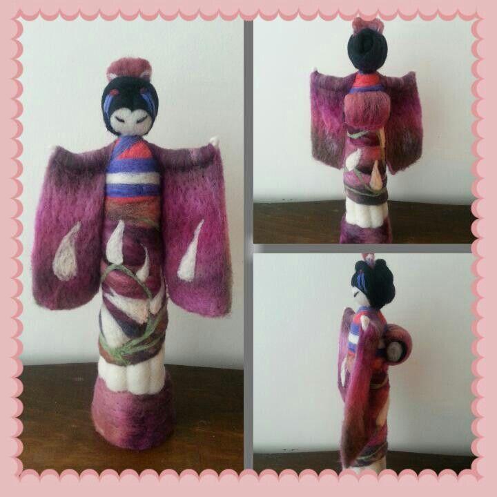 Una linda Geisha hecha de vellón