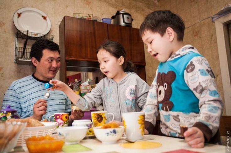 Казахстан. Одинокие отцы