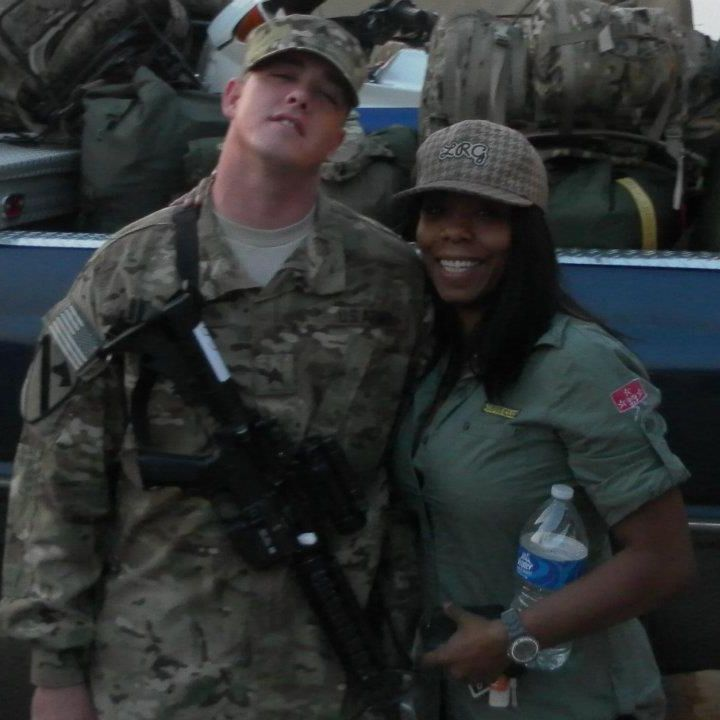 couple-interracial-military-picture