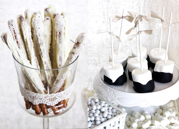 white: Parties Prep, Desserts Display, White Desserts, White Them Parties, Events Design, Dinners Parties, Desserts Tables, Winter Desserts, Parties Decor