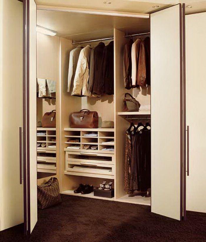 Двери гармошкой в гардеробной