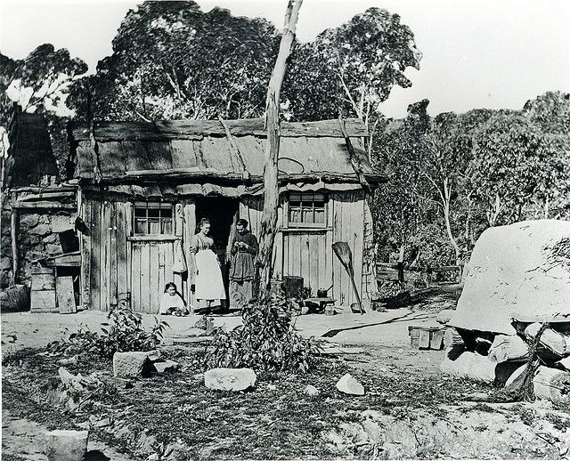 A Miners' Hut, Lithgow Valley NSW, c.1880 The Vale of Clwydd Colliery was separated from the rest of Lithgow by a mountain spur, and operated at the edge of a secluded swampy gully. One of its tunnels extended under the swamp, making working conditions extremely unsafe.