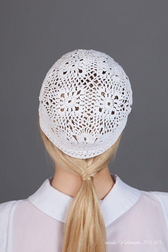 Sombrero de verano blanco señoras crochet el sombrero. Por favor espere hasta 5 días hábiles para el envío de la terminación. *************************************************** !! mano lavada con agua fría y un detergente suave. Evitar el lavado vigoroso que distorsionará las fibras. Cordón debe ser aire secado o secado plano, nunca en la secadora. * requiere planchado, vapor ****************************************** !!!! Todos los paquetes son enviados vía correo aéreo internacional…