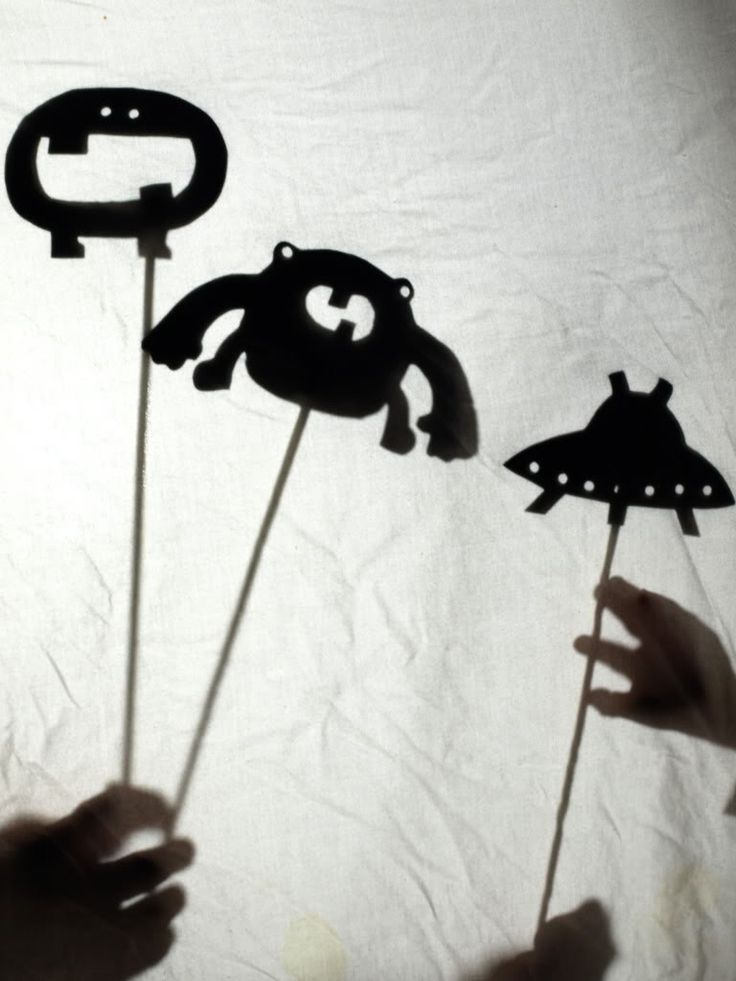 Oh so simple and adorable shadow puppets via See Cate Create