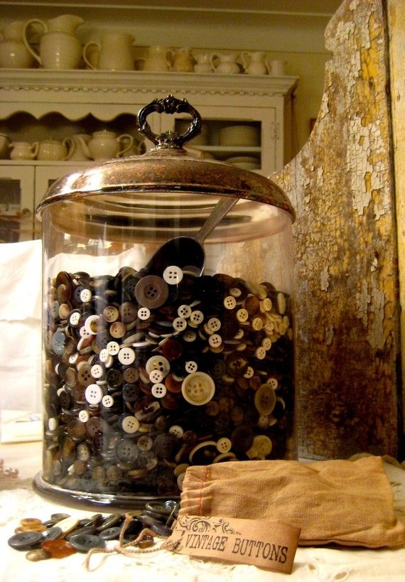 Something I do collect, this jar is great too!