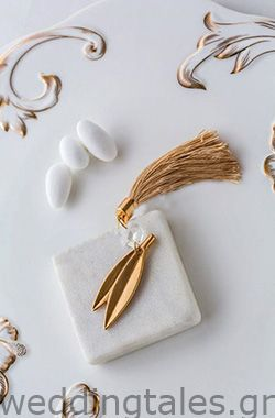 A classy chic wedding guest favor