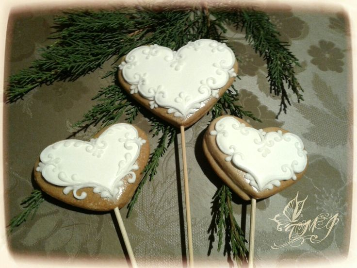 Gingerbread cookie on stick hearts by TMJcreative.