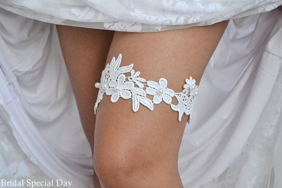 Lace Wedding Garter White Bridal Garter With by BridalSpecialDay, €24.00