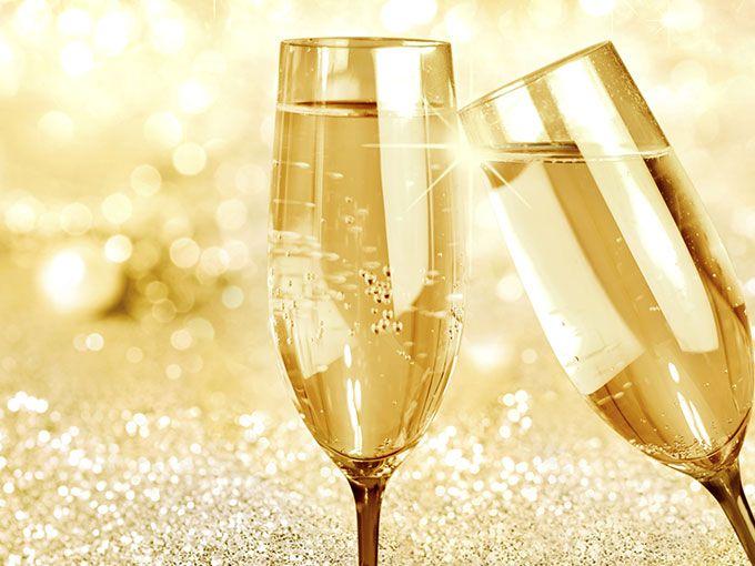 Qué hacer con el vino espumoso que sobra. ¿Te sobró champagne? Revive las burbujas con este tip. ¡No la tires! Todavía te puede servir