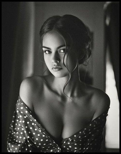 Photo sexy du 28 juin 2015 de Bonjour La Bombe - Chaque jour, dites bonjour à de nombreuses femmes sexy !