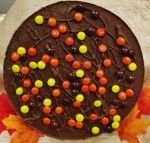 Chocolate Pizza (14 oz), gourmet milk chocolate blended with homemade English toffee topped with the peanut butter goodness of REESE'S PIECES® Candy to make this a tasty treat for any occasion.