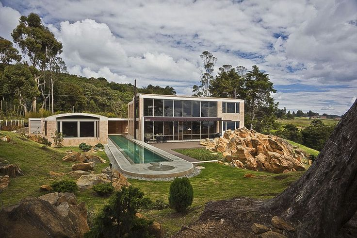 Contemporary Family Residence by Oscar Mesa - wow that really looks awesome!: Lap Pools, Oscars Mesas, Families Houses, Rocks Houses, Modern Building, Architecture Interiors, Interiors Design, Houses Architecture, Medellin Colombia