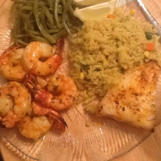 Chilean sea bass, shrimp, curry rice and green beans YumMe!