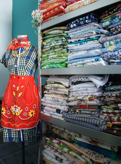 Fabric stash: House Tours, Ingrid Amp, Sjaak Colors, Colors Dutch, Fabrics Stash, Sewing Rooms, Ingrid Fabrics, Dutch Abod, Houses Tours