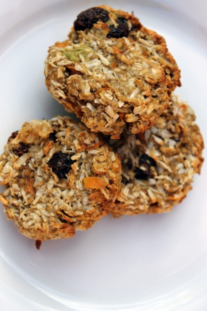 I say this a lot , but this is really my favorite website ever- Avocado Banana Carrot Oatmeal Cookies