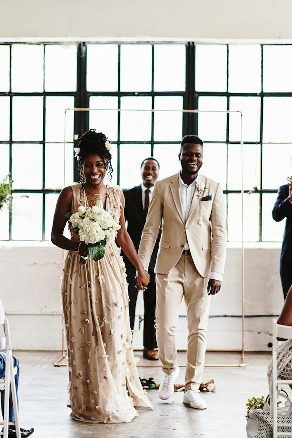 intimate Houston loft wedding   Stephanie Rogers Photography on @AislePerfect via @aislesociety