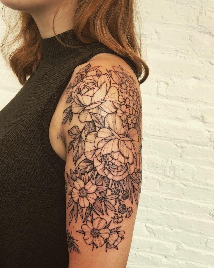 Tattominimalistas Geometrictatto Tattomujer Moontatto Various Flowers Coowner Blumen Tattoo Flume Owner Black Iris From Johvari Iris Tattoo Sleeve Tattoos Tattoos For Women