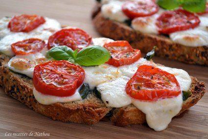 Bruschettas à la mozzarella, tomates cerise et basilic